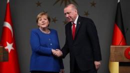 Merkel stellt der Türkei mehr Geld in Aussicht