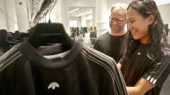 Auch eine Kooperation mit Modedesigner Alexander Wang (rechts) soll Adidas in Amerika zum Durchbruch verhelfen.