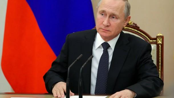Journalist beleidigt Putin – ganzes Land soll büßen