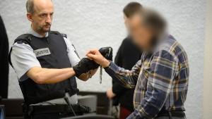 Angeklagter gesteht Brandstiftung mit vier Toten