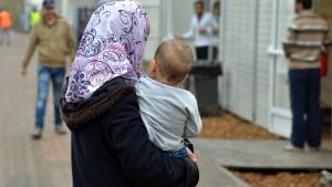 Wieder mehr Angriffe auf Flüchtlinge