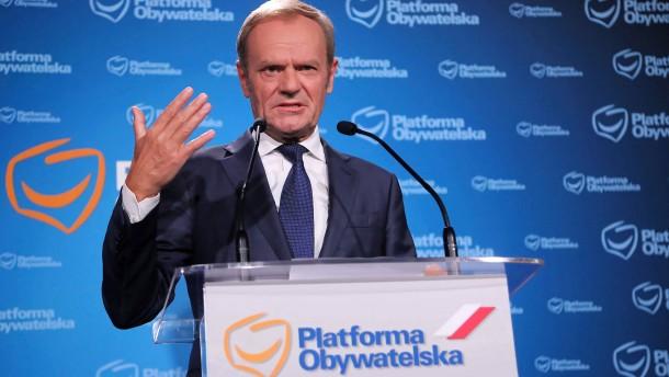 Tusks Rückkehr ist ein Zeichen der Schwäche