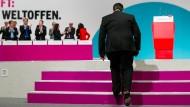 Auf unsicheren Pfaden: Gabriel auf dem SPD-Parteitag