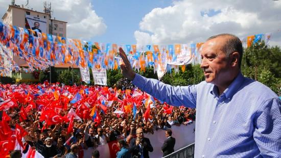 Aufruf im Mai: Lira umtauschen