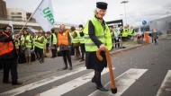 Flugbegleiter lehnen Lufthansa-Vorstoß ab