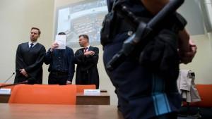 Waffenlieferant gesteht in Prozess um Münchner Amoklauf