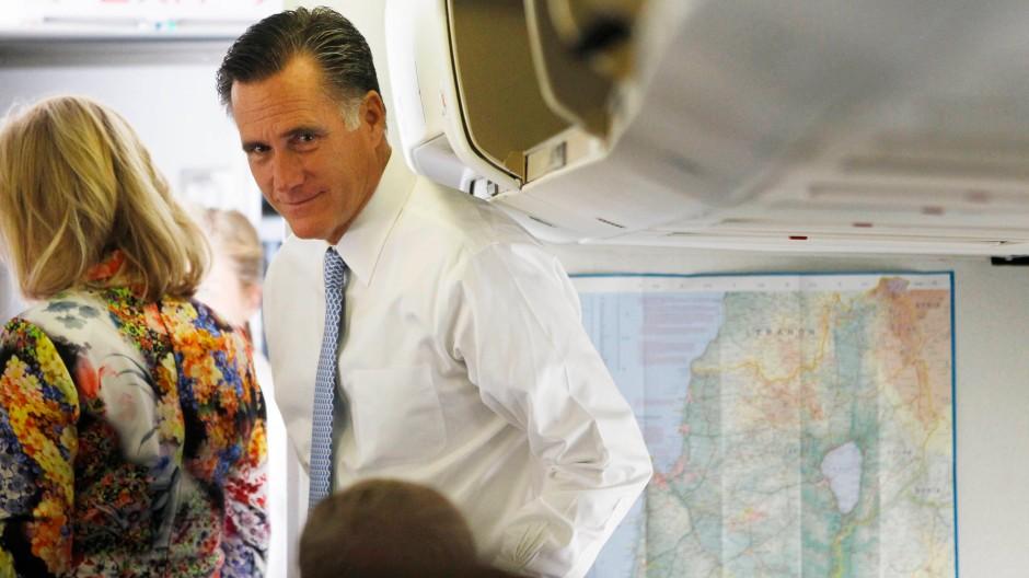 Israel über Tel Aviv verlassen: Romney im Flugzeug nach Polen