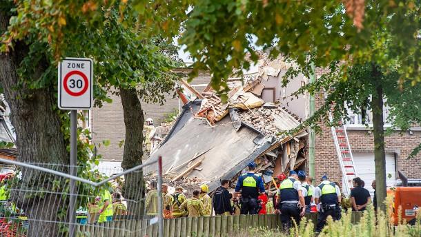 Explosion in Antwerpen: Mehrere Menschen unter Trümmern