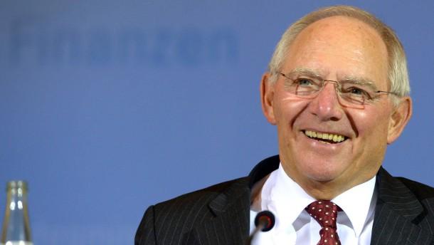 Schäuble erwirtschaftet Milliarden-Überschuss