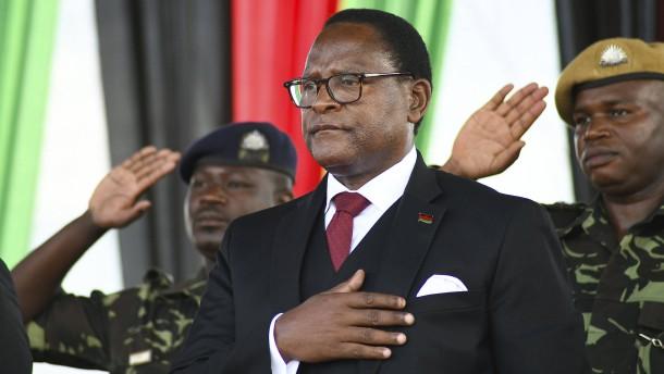 Neuer malawischer Präsident ins Amt eingeführt