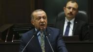 """Die Türkei verfüge über Beweise für das """"Mordkomplott"""" gegen Khashoggi, erklärte Präsident Erdogan am Dienstag in Ankara."""