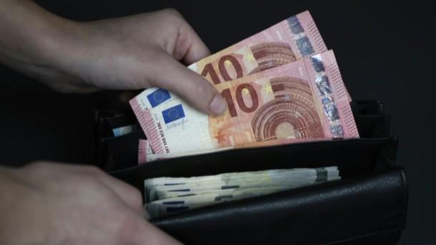 Mindestlohn soll auf 10,45 Euro steigen