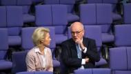 Kauder distanziert sich von Schäubles Lawinenvergleich