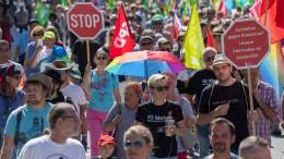 1500 Menschen demonstrieren gegen AfD-Wahlkampfauftakt