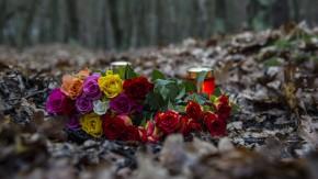 Gedenken an die ermordete Schwangere in einem Berliner Waldstück