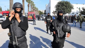 Großbritannien holt tausende Tunesien-Urlauber nach Hause