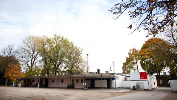 Obdachlosenuntekünfte - Am Rand des Familieparks Ostpark ist eine Containeranlage als Unterkunft für Obdachlose eingerichtet. Die Anlage soll ausgebaut und mit sozial schwierigen Obdachlosen belegt werden.