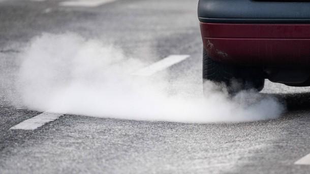 Grüne werfen Scheuer Kumpanei mit Autoindustrie vor