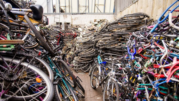 Polizistin soll beschlagnahmte Fahrräder an Kollegen verkauft haben