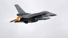 Türkische Kampfjets greifen PKK-Ziele an