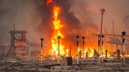 Großbrand in sizilianischer Hafenstadt