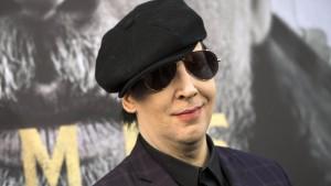 Bühnenteil stürzt auf Marilyn Manson