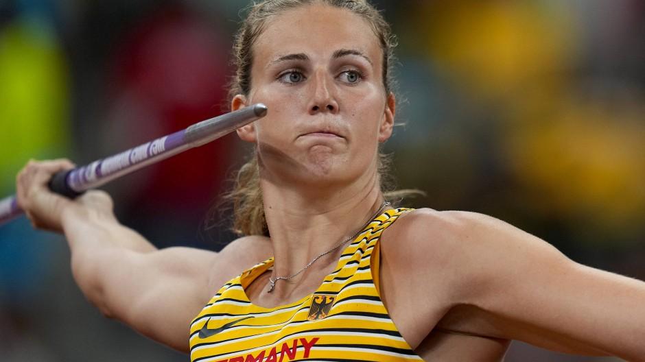 Zu flach, zu kurz, zu schlecht: Christin Hussong muss sich beim Speerwurf-Finale in Tokio mit dem neunten Platz begnügen.