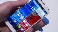 Mit Werbung auf Smartphones verdient Google viel Geld.