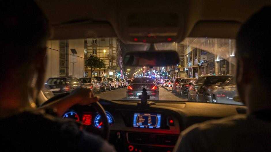 Seit Frühjahr 2018 setzt die Polizei die Kontrolleinheit Kart gegen die Autoposer- und Raserszene ein.