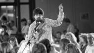 Freund Dutschkes und Weggefährte Cohn-Bendits: Milan Horáček im August 1982 bei der Landesversammlung der Grünen in Hofheim am Taunus