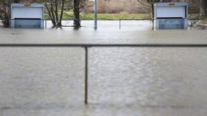 Überschwemmungen und Dauerregen