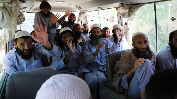 Regierung will 900 weitere Taliban freilassen