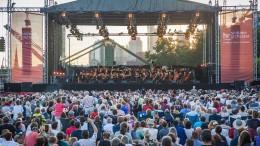 Bigband, Brönner und Sinfonie-Orchester am Main