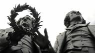 Kulturnation ohne Leitkultur? Goethe- und Schillerdenkmal in Weimar
