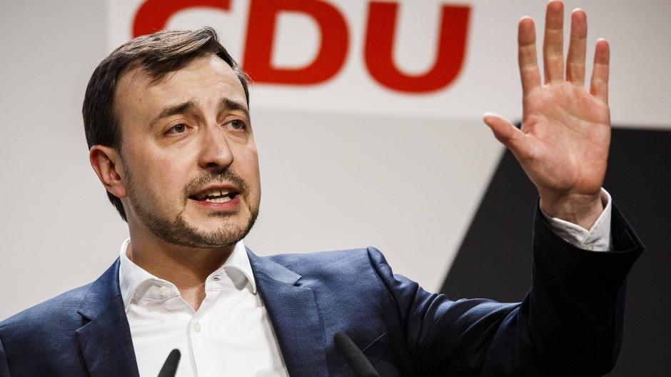 Paul Ziemiak sieht in der Forderung von Thorsten Schäfer-Gümbel eine billige Neiddebatte.