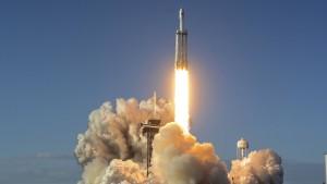 Erster kommerzieller Flug von SpaceX erfolgreich