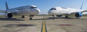 Ein Airbus A320 neo (links) und eine Bombardier C-series posieren in Toulouse.