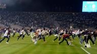 Bestuhlung aufgehoben: Spielabbruch zwischen Besiktas und Galatasaray