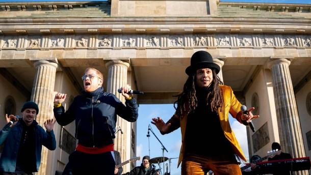 Seeed tritt bei Fridays for Future in Berlin auf