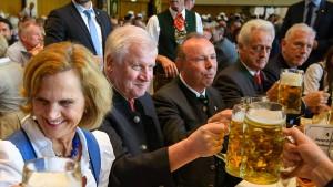 Horst Seehofer streicht sich selbst den Urlaub