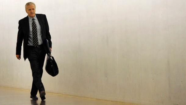 Fromm kritisiert Aktenvernichtungen