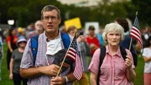 Mini-Marsch statt neuer Gewaltexzesse