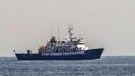 Die C-Star, das Schiff der Identitären Bewegung im Mittelmeer, ist am Freitag in Seenot geraten (Archivbild).