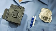 Eine Polizeikamera des Herstellers Taser