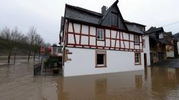 Überschwemmte Häuser an der Mosel
