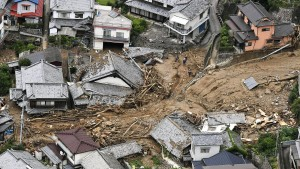 Mindestens 110 Tote nach Unwettern in Japan
