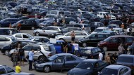 """""""Made in Germany"""" ist gern gesehen: Gebrauchtwagenmarkt in Minsk."""