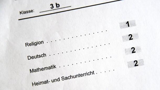 Viele Schulen in Hessen dürfen künftig auf Noten verzichten