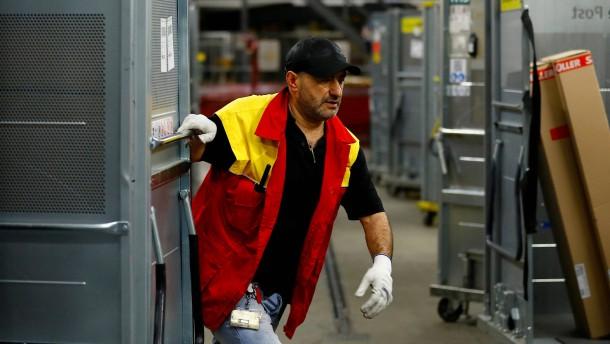 Post will Mitarbeitern 300 Euro Bonus zahlen