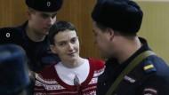 Die Ukrainerin Nadjeschda Sawtschenko an diesem Dienstag vor Gericht in Moskau